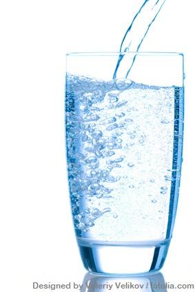 Glas Leitungswasser: Hormone im Wasser